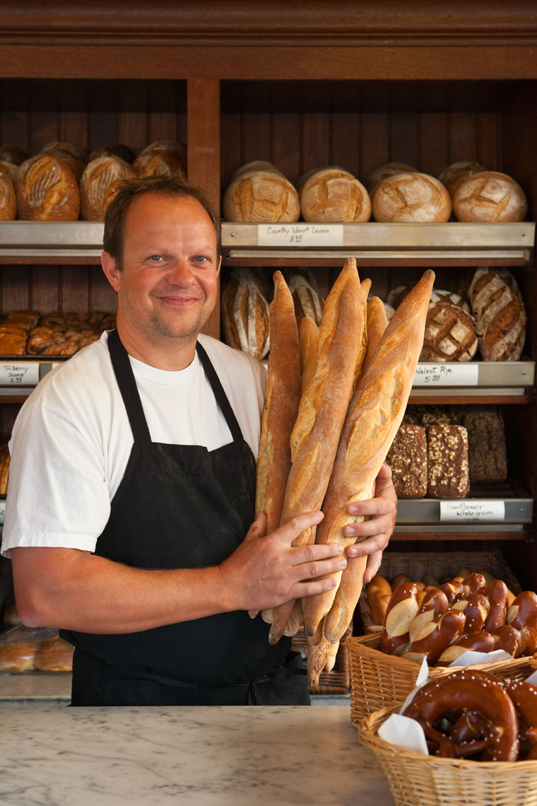 Portrait_Baker_Bread